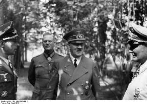 Wolfsschanze 1941 rok. Na zdjęciu od lewej Mölders, Keitel, Göring, Hitler - źr. Bundesarchiv, Bild 146-1990-044-13 - CC-BY-SA, Wikimedia -Commons CC