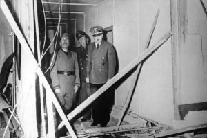 Wolfsschanze 1944 r. wizyta Mussoliniego po zamachu 20 lipca. widok korytarza źr. Bundesarchiv, Bild 146-1970-097-76 - CC-BY-SA, Wikimedia - Commons CC
