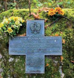 Pomnik na cześć saperów którzy rozminowywali Wilczy Szaniec